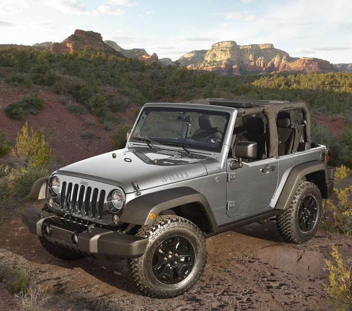 2018 Jeep Wrangler JK Gray Exterior Front Side View Off-Road