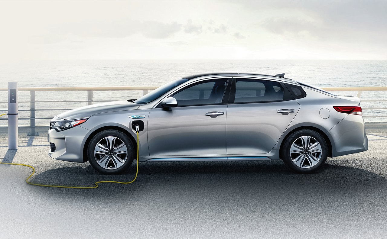 2018 Kia Optima Plug-In Hybrid Charging Exterior