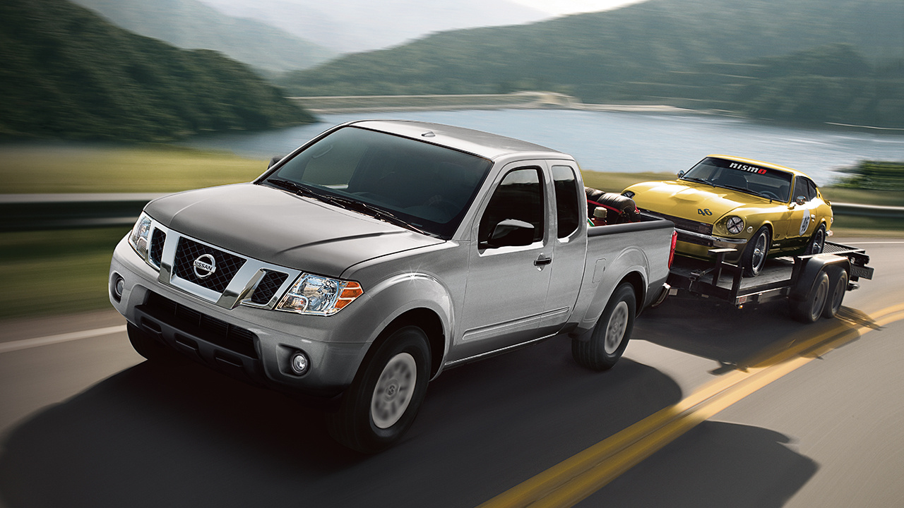 2018 Nissan Frontier Silver Driving Exterior