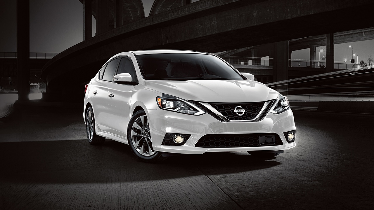 2018 Nissan Sentra White Front Exterior