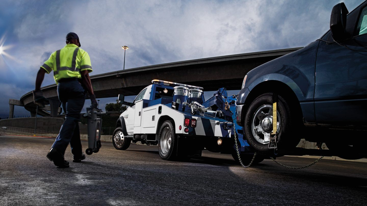 2018 Ram 3500 Chassis Cab White Exterior Towing