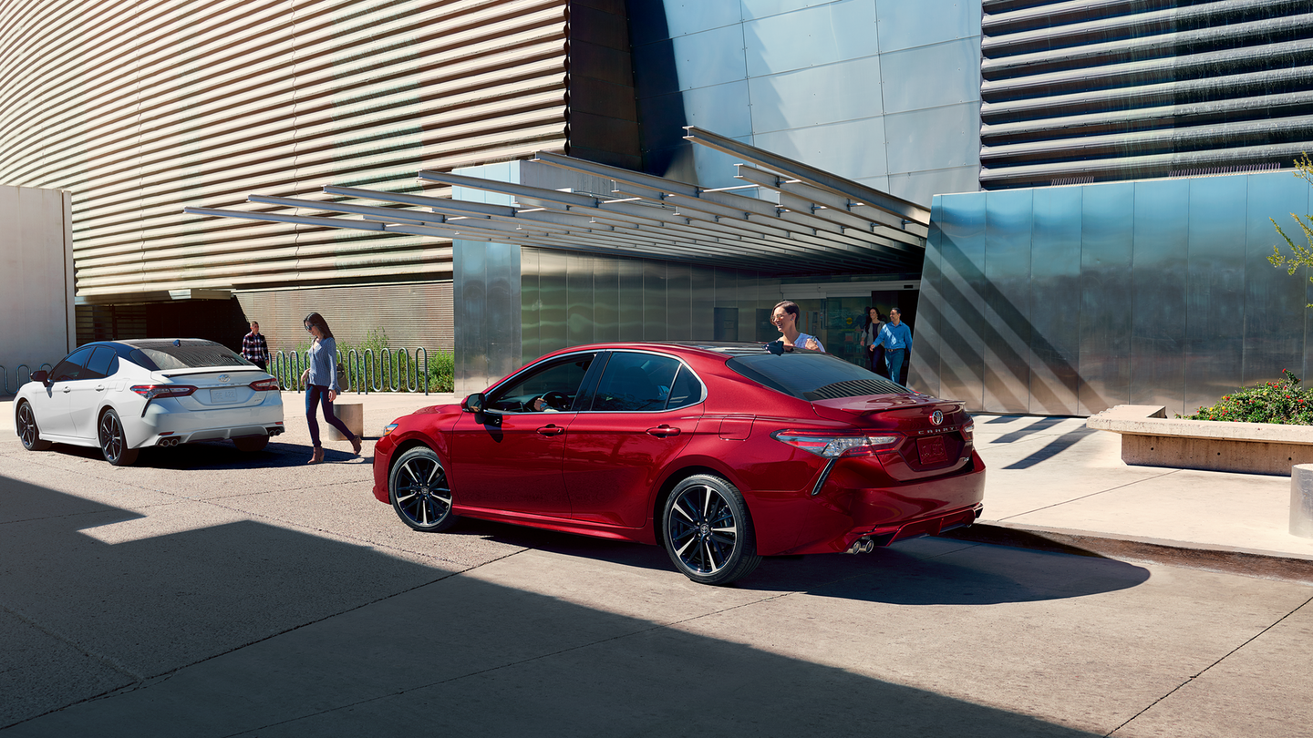 2018 Toyota Camry Rear Red Exterior.png