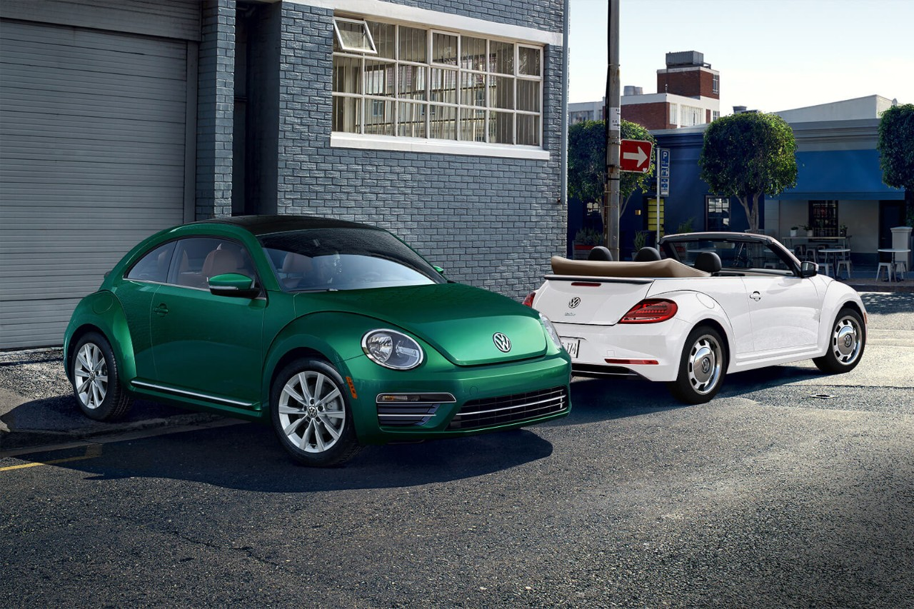 2018 Volkswagen Beetle Green and White Exterior