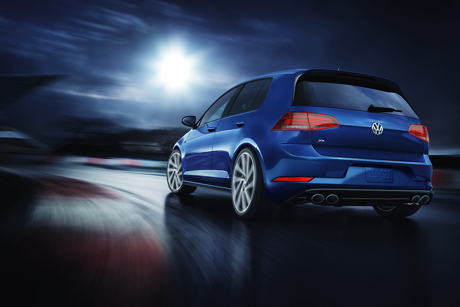 2018 Volkswagen Golf R Rear Blue Exterior