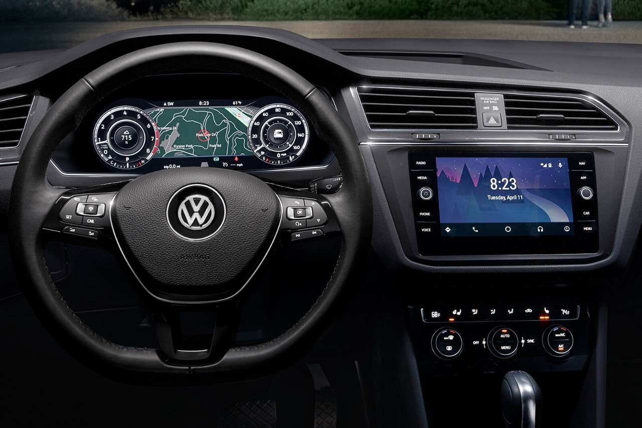 2018 Volkswagen Tiguan Black Dashboard Detail Interior