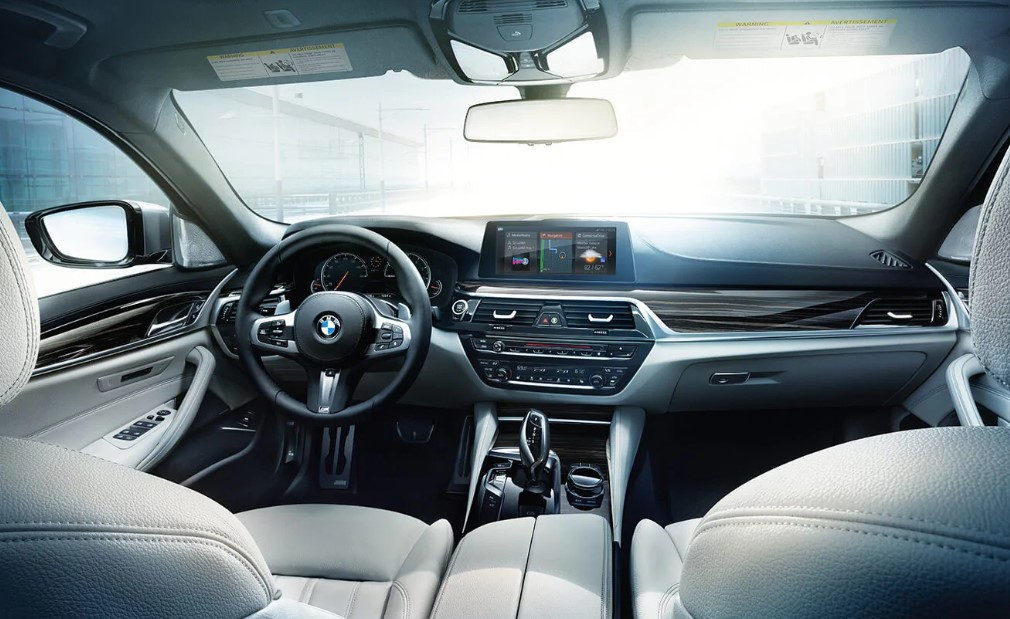2019 BMW M550i xDrive White Interior