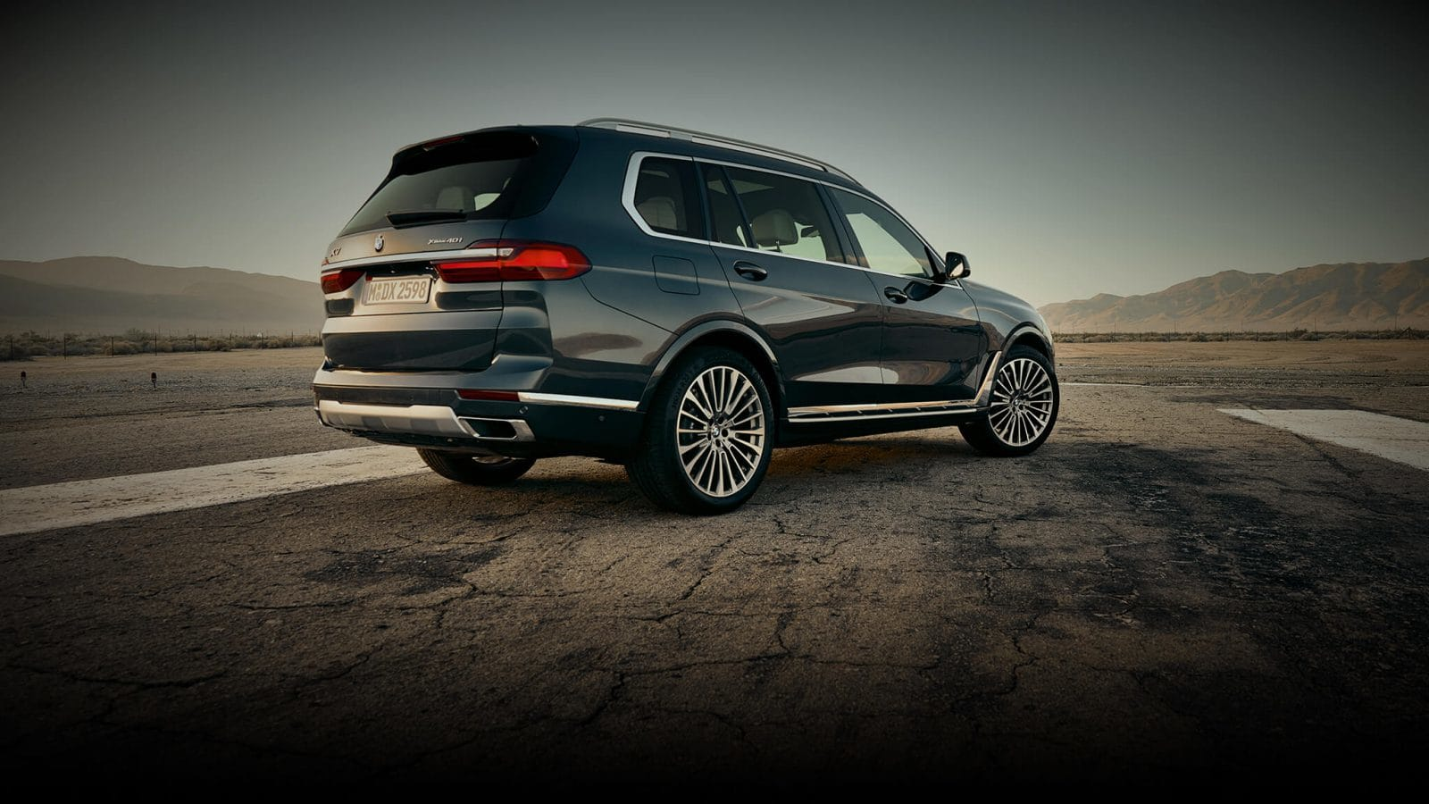 2019 BMW X7 Black Exterior Rear View Picture