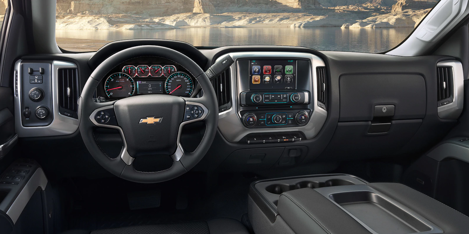 2019 Chevrolet Silverado 1500 Front Interior Dashboard Picture.png