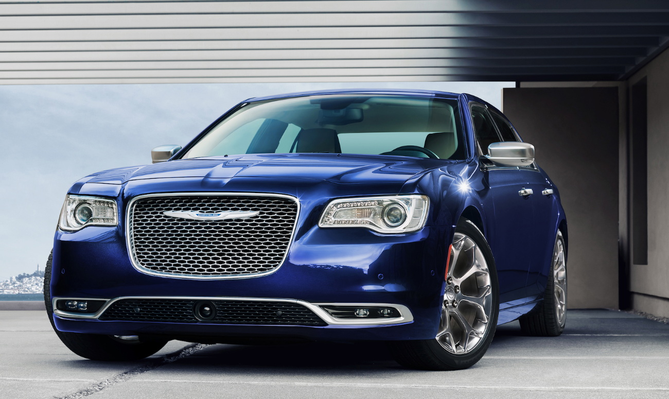 2019 Chrysler 300 Blue Exterior Front View Picture