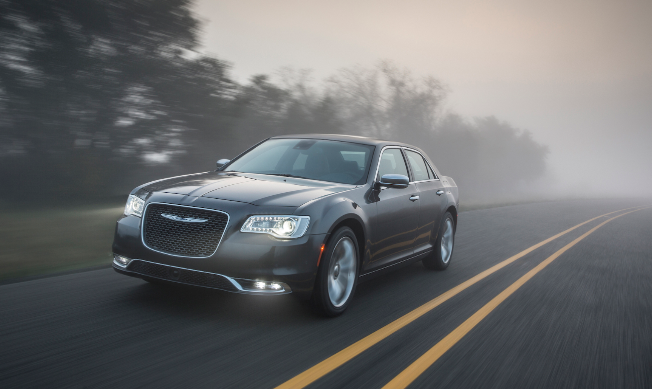 2019 Chrysler 300 Gray Exterior Front View Picture