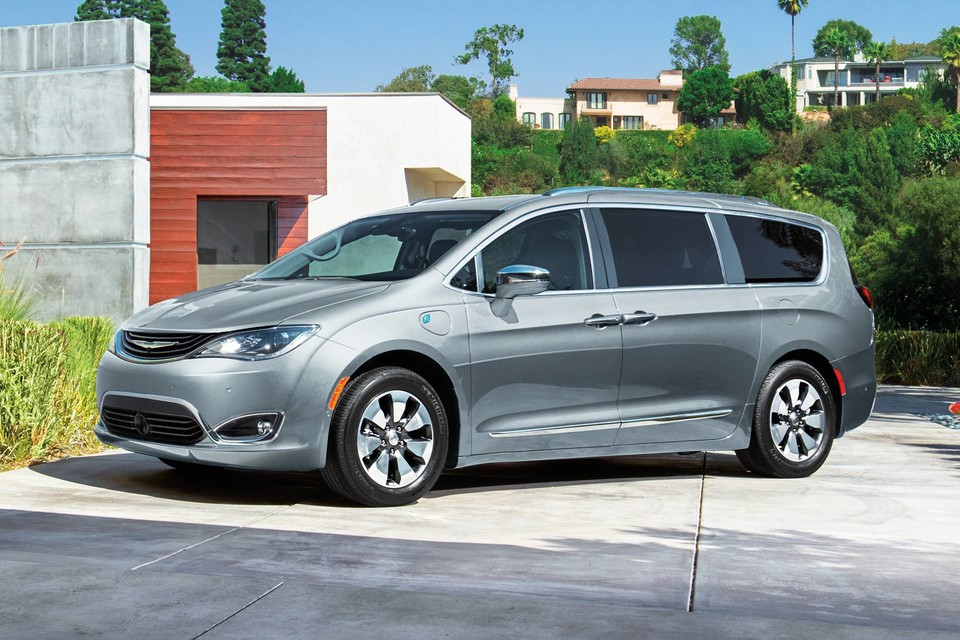 2019 Chrysler Pacifica Hybrid Silver Exterior Side Picture