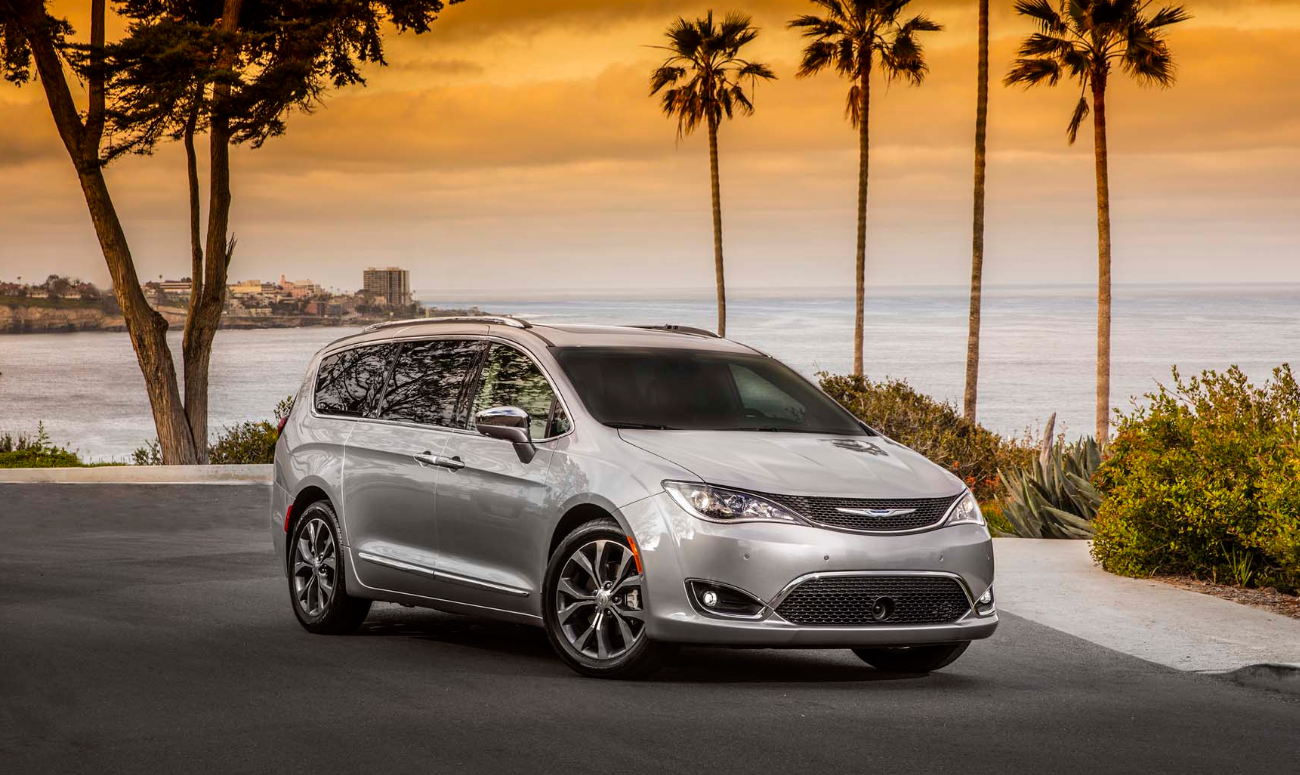 2019 Chrysler Pacifica Silver Exterior Side View Picture