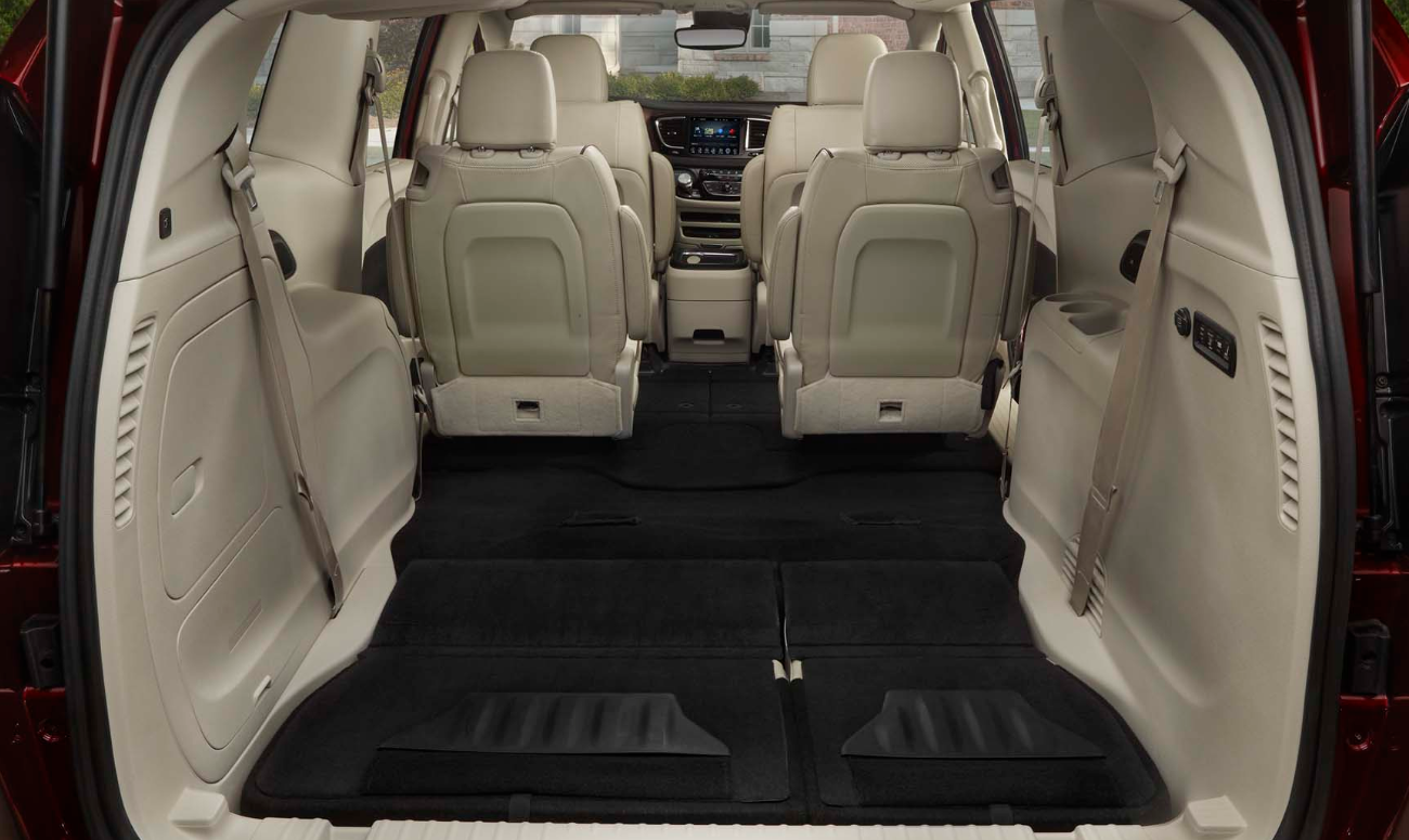 2019 Chrysler Pacifica L Versatile Seating and Cargo Interior Picture