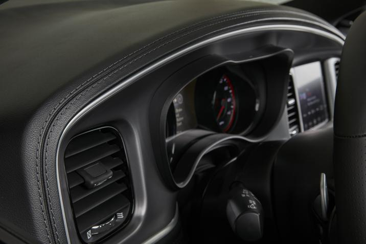 2019 Dodge Charger GT Interior Driver's Cluster Detail Picture