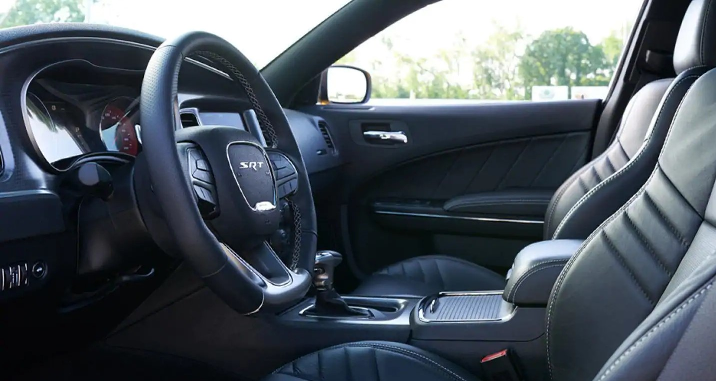 2019 Dodge Charger Front Interior Leather Picture