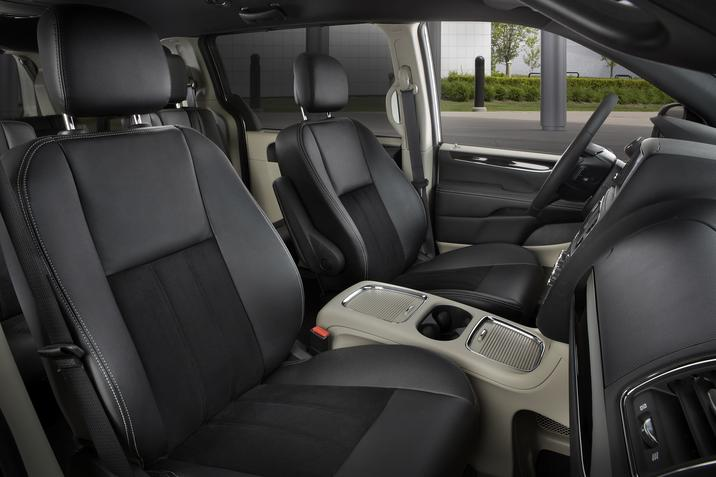 2019 Dodge Grand Caravan Front Interior Seating Picture