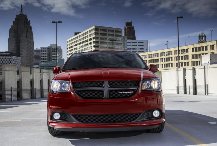 2019 Dodge Grand Caravan Red Exterior Front View Picture