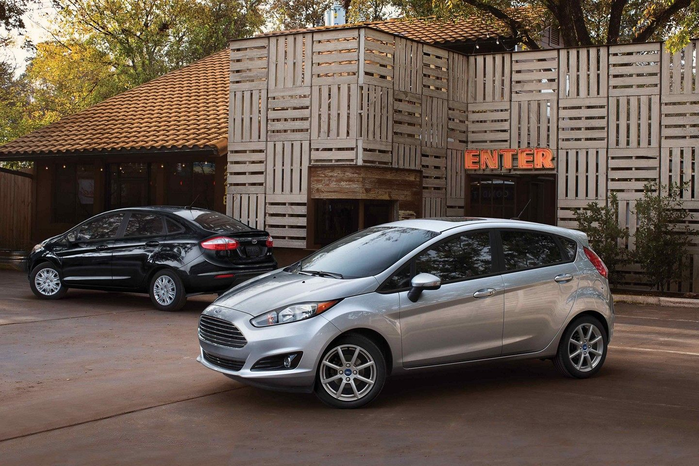 2019 Ford Fiesta Black and Gray Exterior
