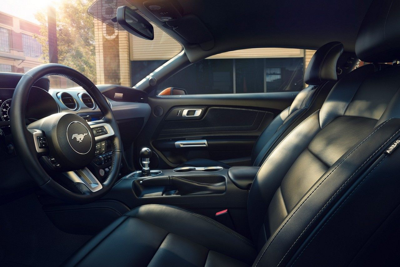 2019 Ford Mustang Ebony Interior Dashboard Picture.jpeg