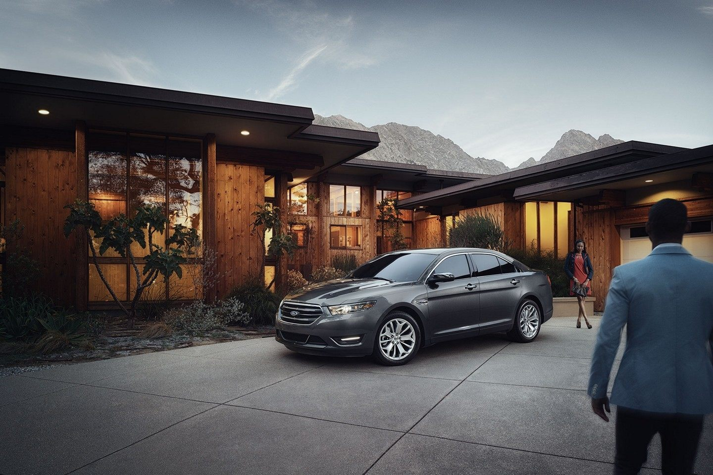 2019 Ford Taurus Gray Front Exterior.jpeg