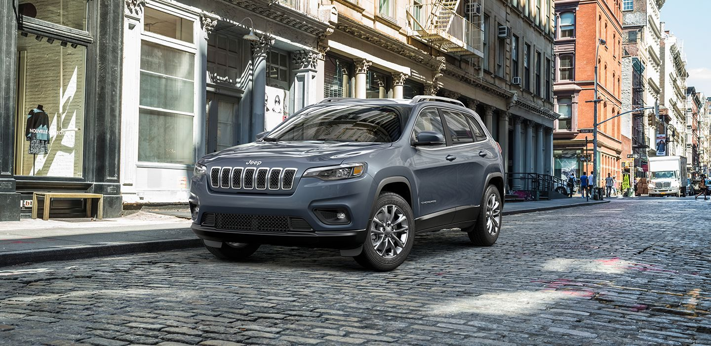 2019 Jeep Cherokee Latitude Front Exterior Picture