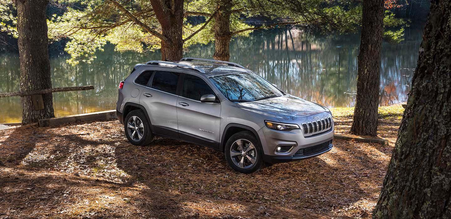 2019 Jeep Cherokee Limited Front Gray Exterior