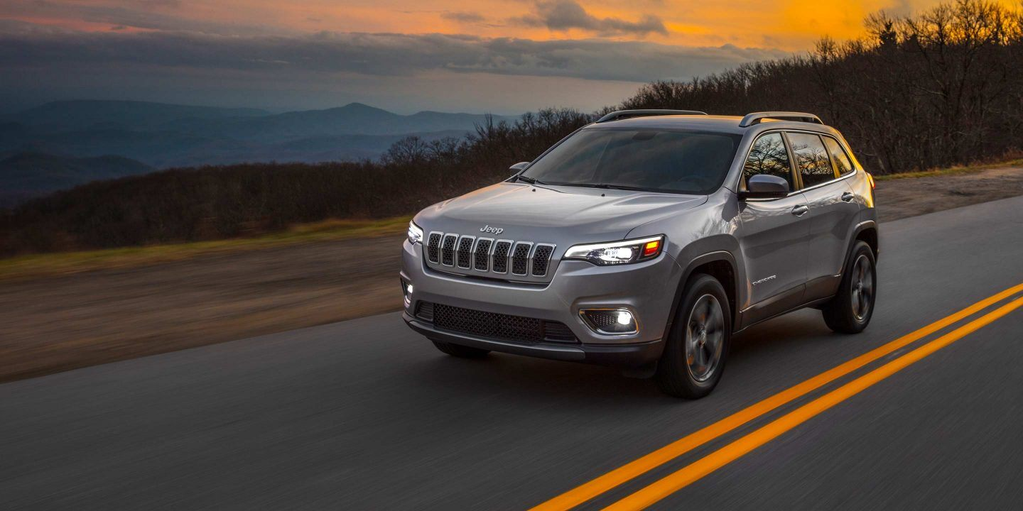 2019 Jeep Cherokee Front Exterior Silver Picture