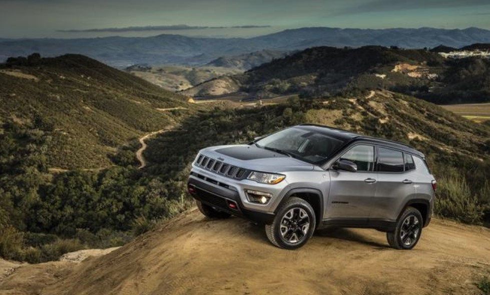 2019 Jeep Compass Driving Exterior