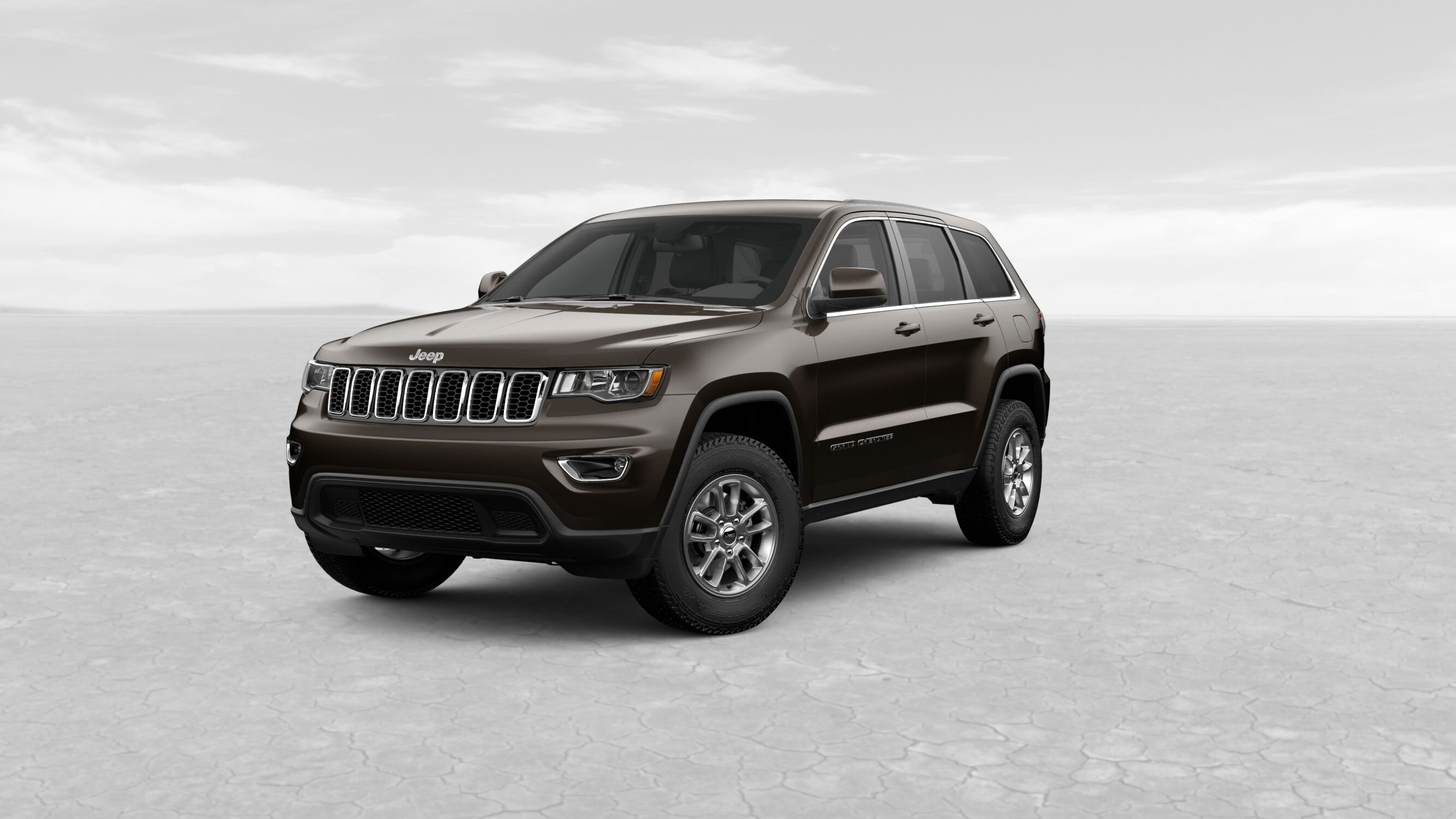 2019 Jeep Grand Cherokee Laredo Brown Exterior Front View