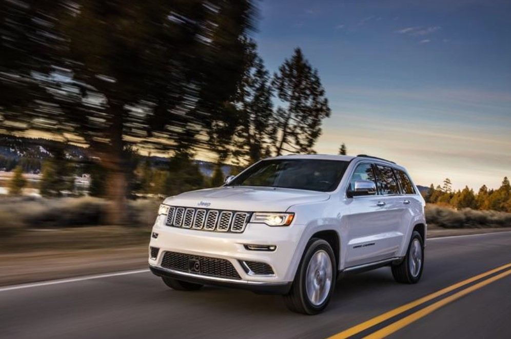 2019 Jeep Grand Cherokee Front White Exterior