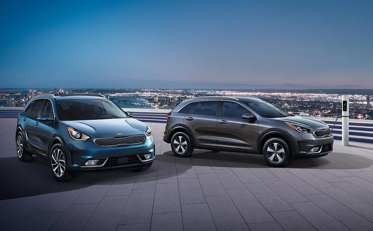 2019 Kia Niro Plug-In Hybrid Blue and Grey Exteriors Picture