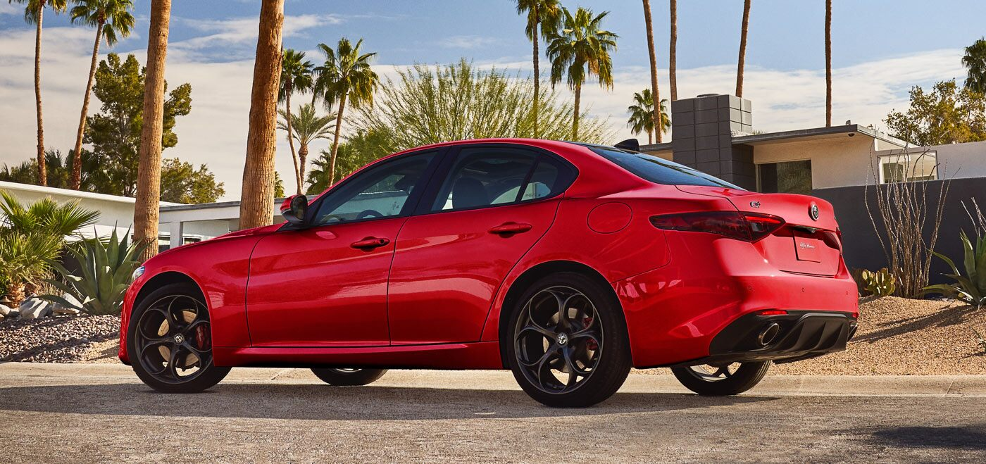2020 Alfa Romeo Giulia Red Exterior Side View Picture