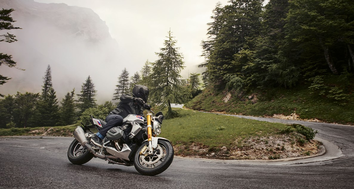 2020 BMW R 1250 R Front Angle View Picture