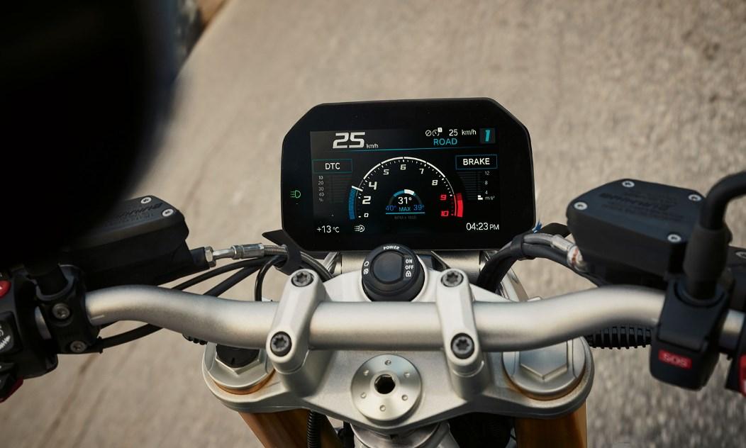 2020 BMW R 1250 R Handlebar Dash Picture