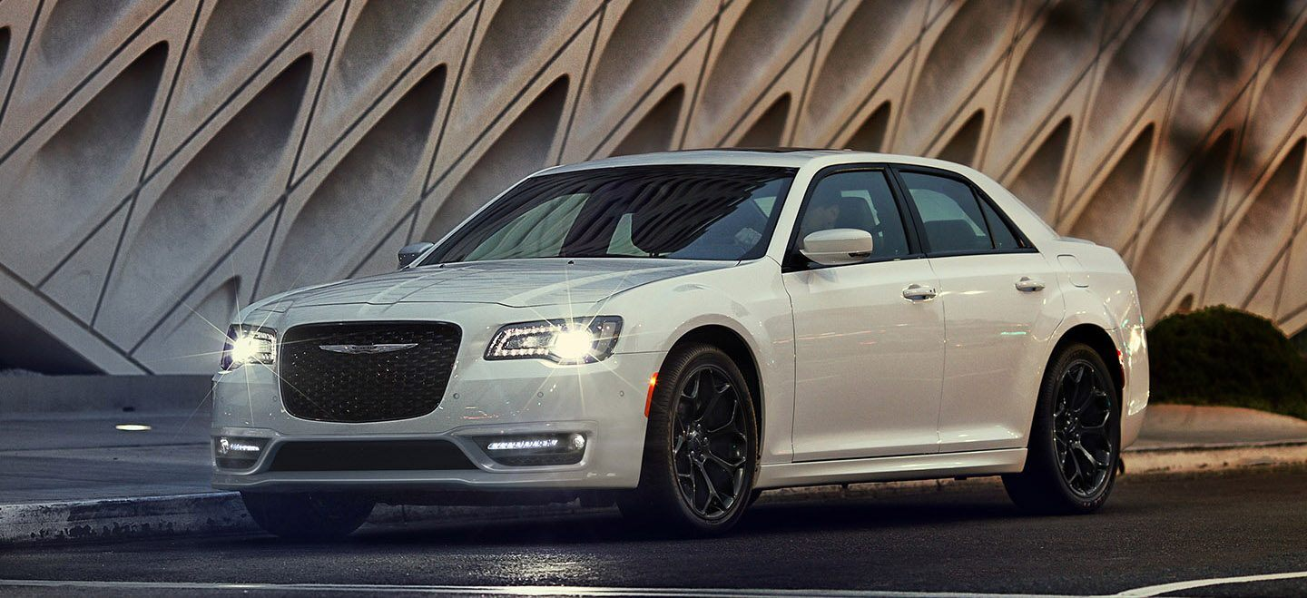 2020 Chrysler 300 Front View Exterior White Picture