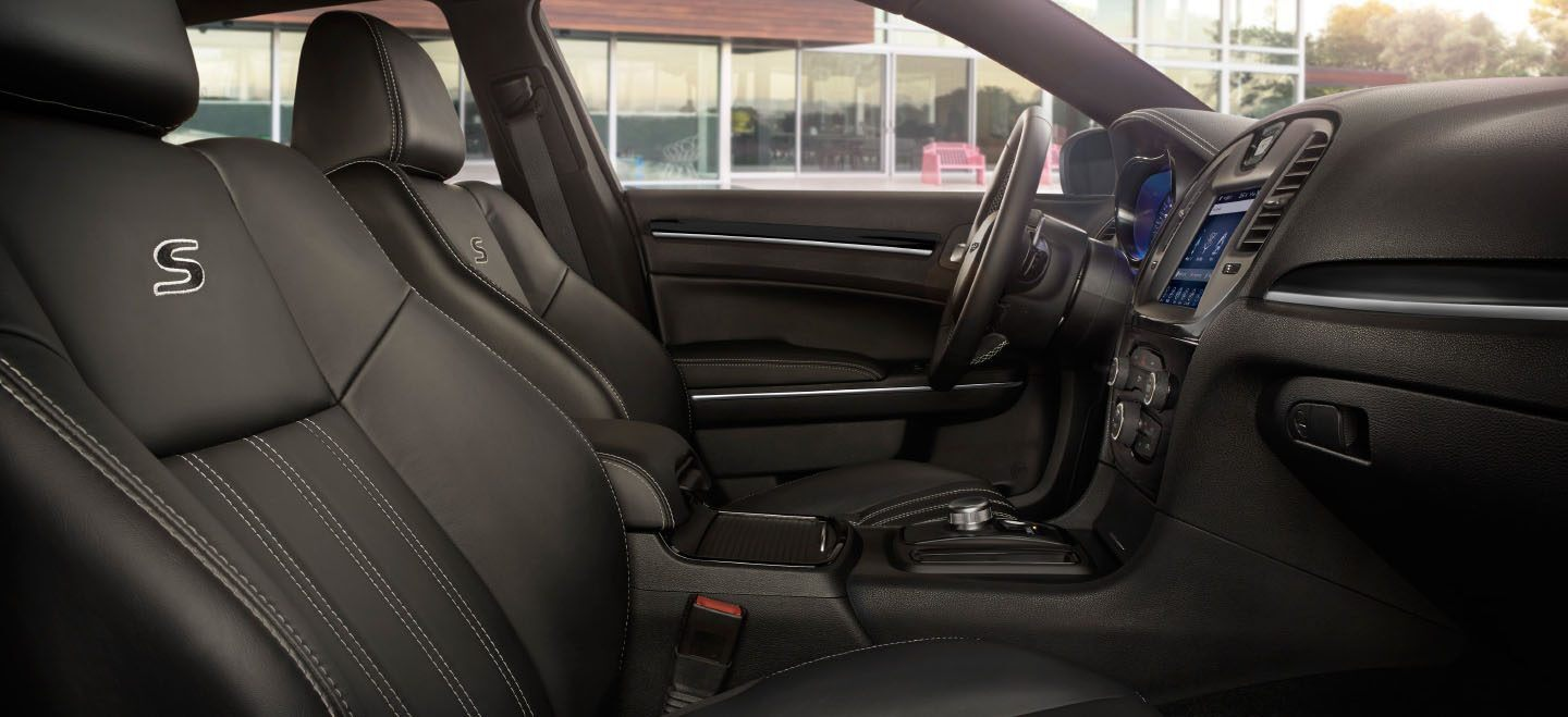 2020 Chrysler 300 Side View Front Seat Interior Picture