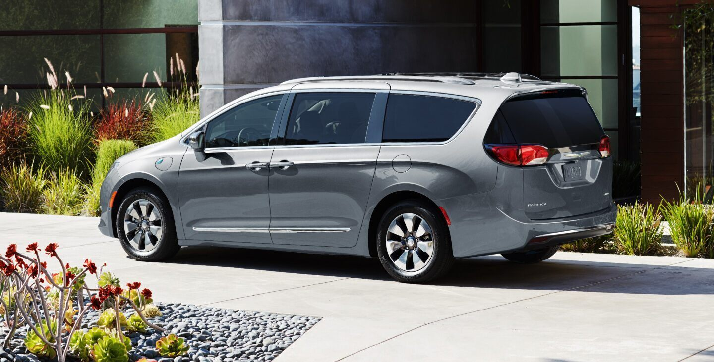 2020 Chrysler Pacifica Hybrid Gray Exterior Side View