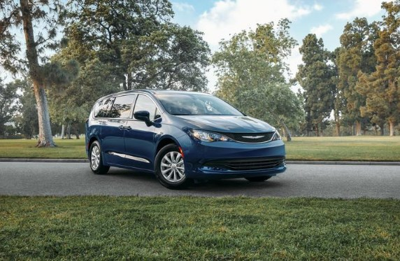 2020 Chrysler Voyager Front Exterior Blue Picture