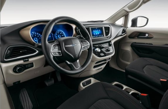 2020 Chrysler Voyager Back Interior Silver Picture