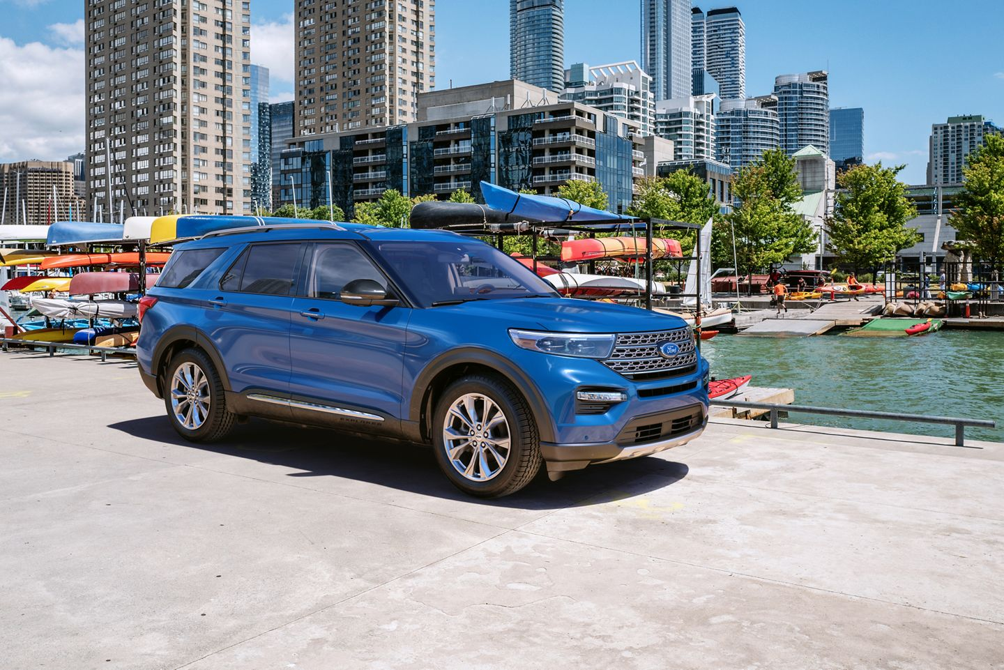 2020 Ford Explorer Blue Exterior Side Picture