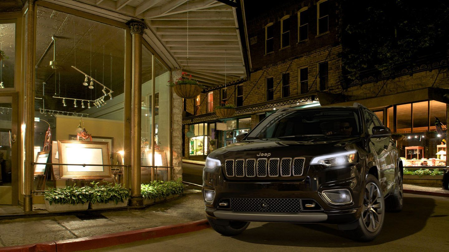 2020 Jeep Cherokee Front View Black Exterior