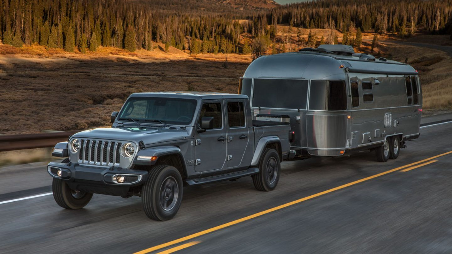 2020 Jeep Gladiator Front Gray Exterior Side Profile