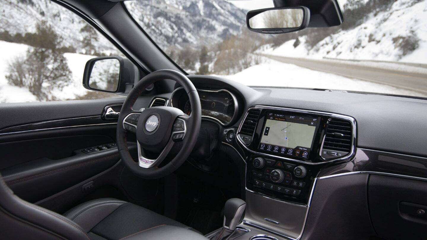 2020 Jeep Grand Cherokee Front View Dashboard Interior Picture