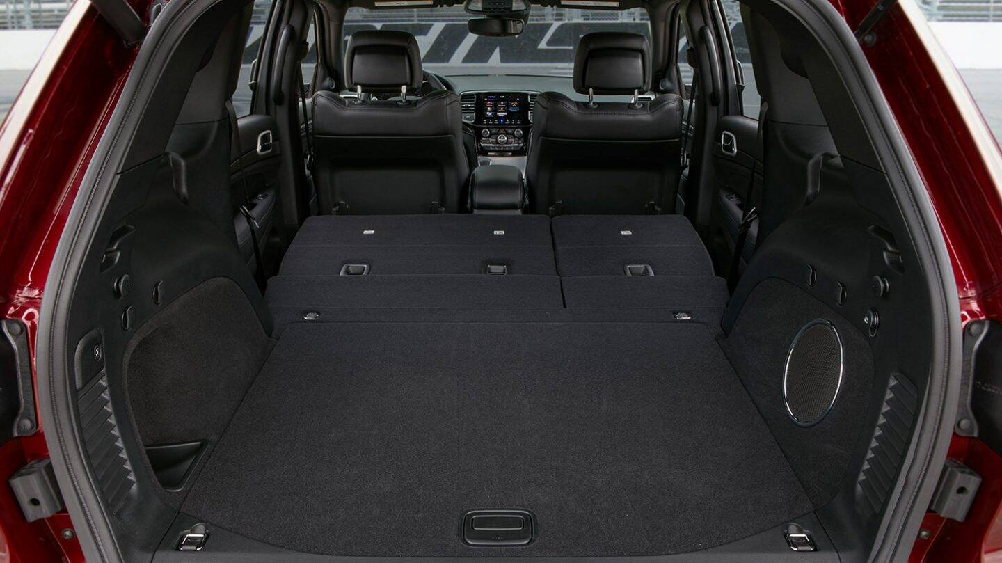 2020 Jeep Grand Cherokee Front View Interior Seating Picture
