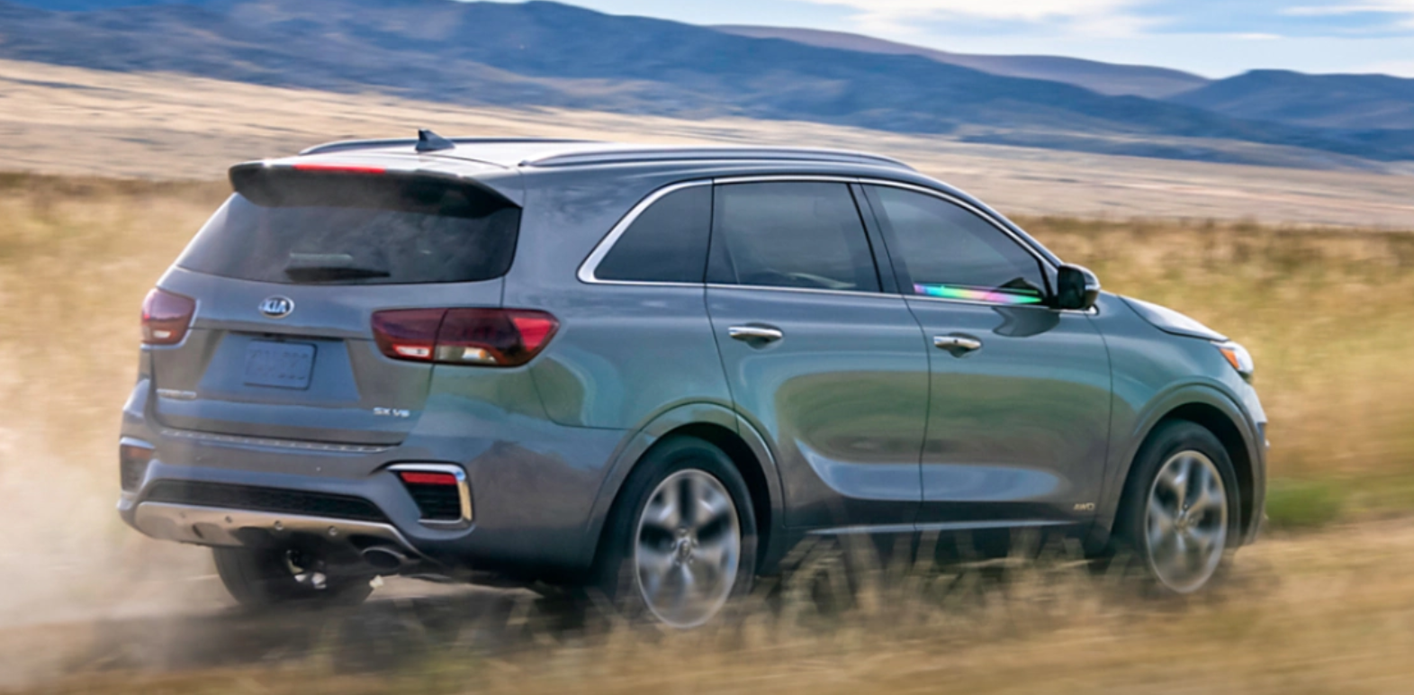 2020 Kia Sorento Rear View Gray Exterior Picture.png