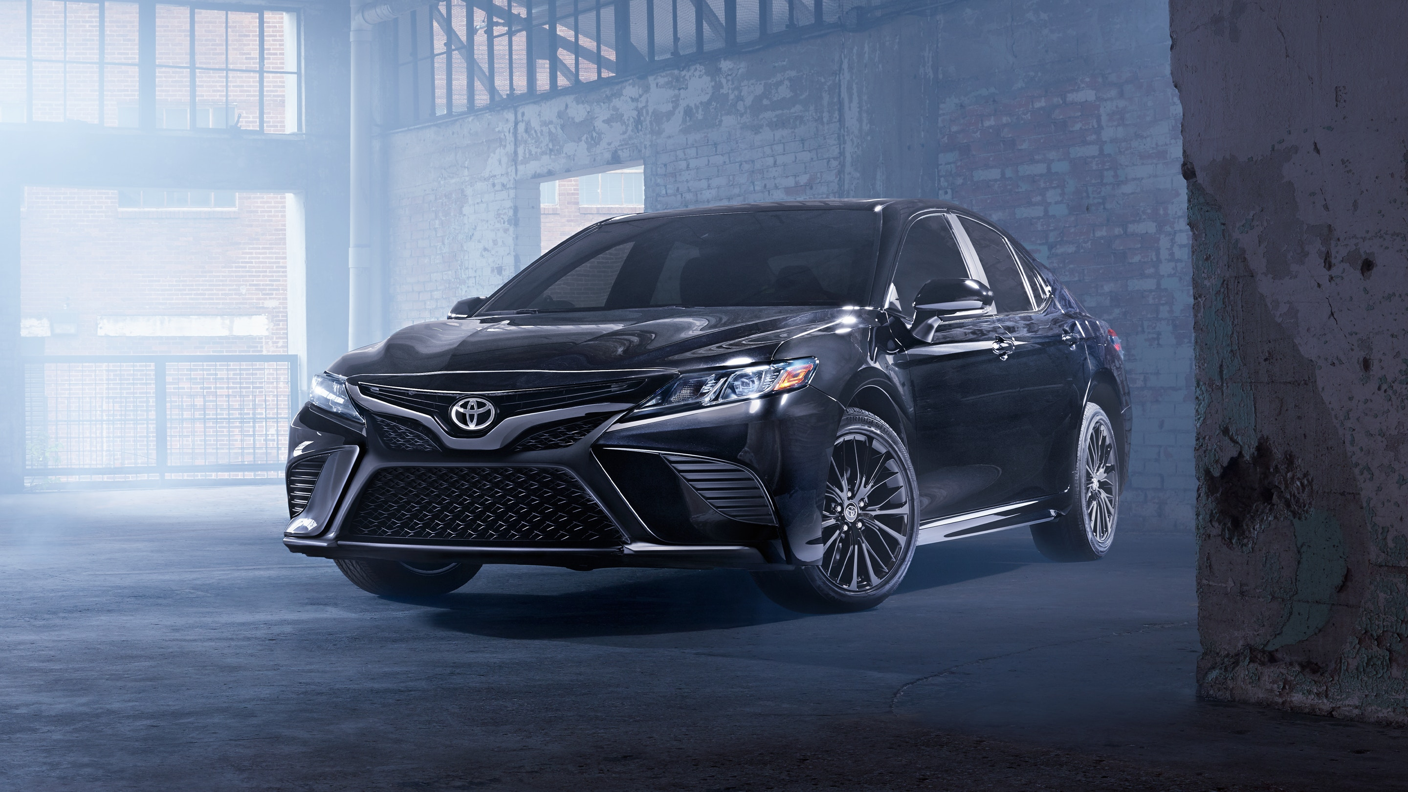 2020 Toyota Camry Front View Black Exterior Picture