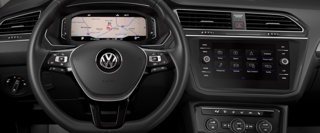 2020 Volkswagen Tiguan SEL Front Interior Dash Picture.png